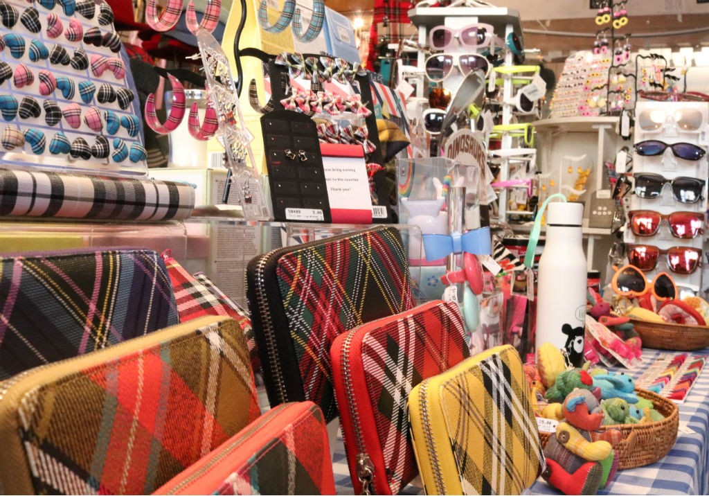 The Best Places To Unique Souvenirs In Glasgow · More Views Brave Scottish Gifts