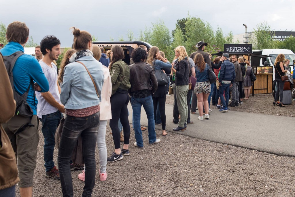 Lining up for a Dutch weed burger at Vegan Summer Fest | Courtesy of BE Vegan