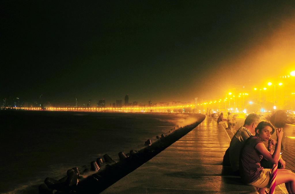 Marine Drive|Gopal Vijayaraghavan/Flickr