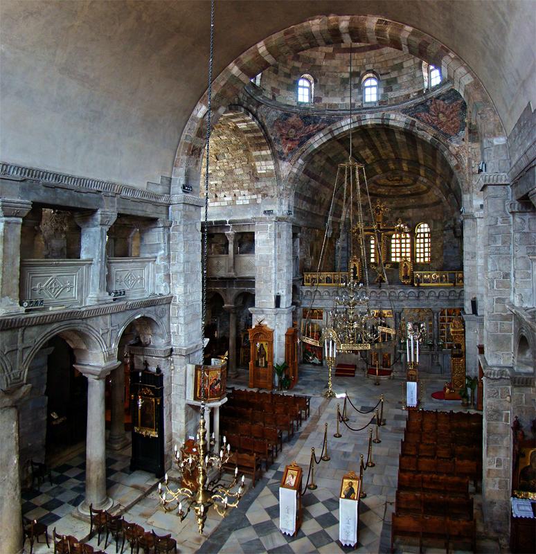 Inside of Panaghia Ekatondapiliani | © Tango7174/WikiMedia