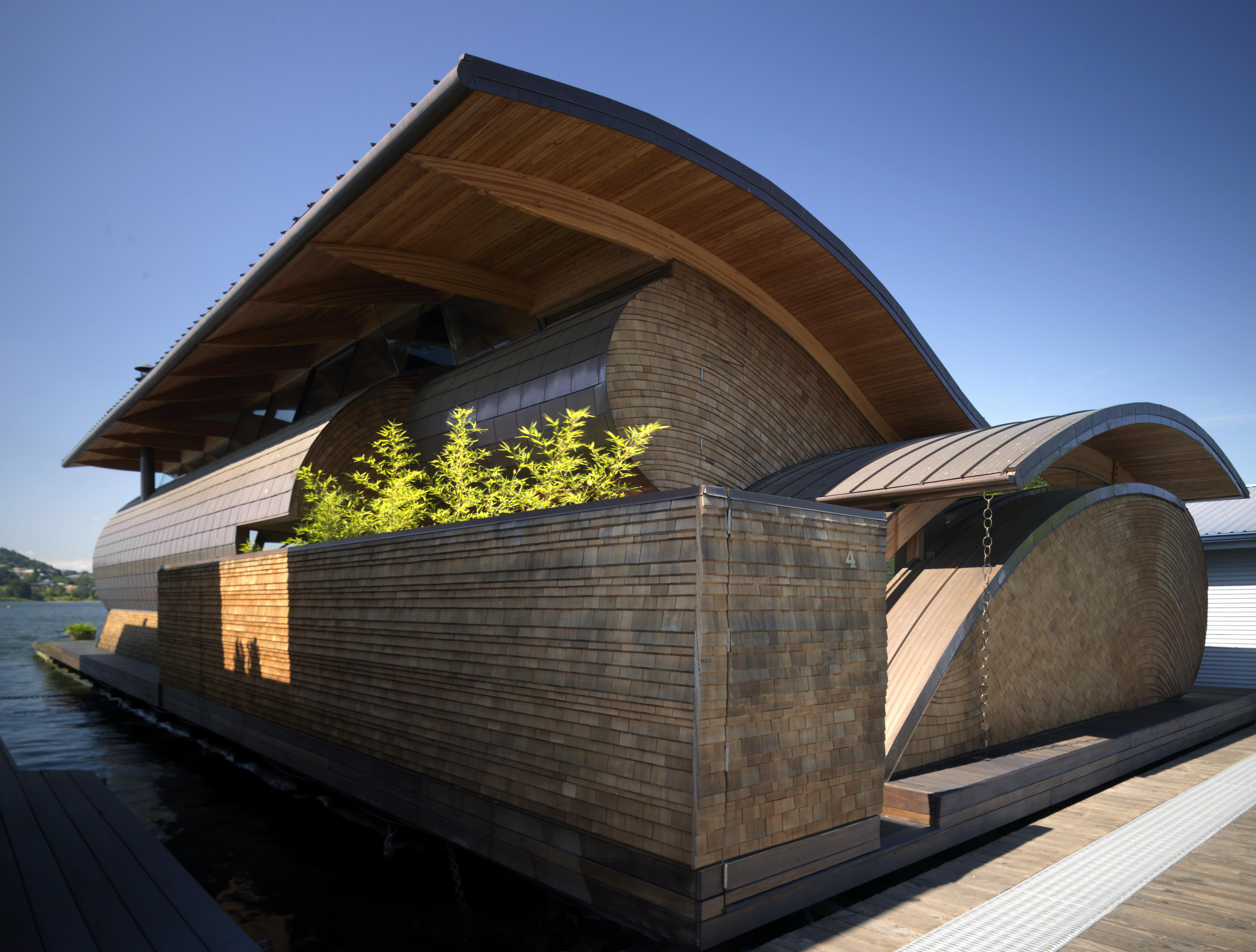 Water nests and floating homes you 39 ll fall in love with for Robert oshatz architect