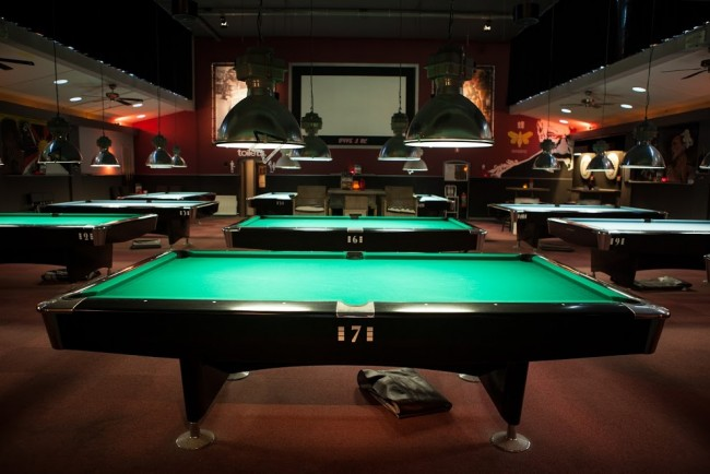 The best places to play pool darts and bar games in amsterdam for Food bar games free online
