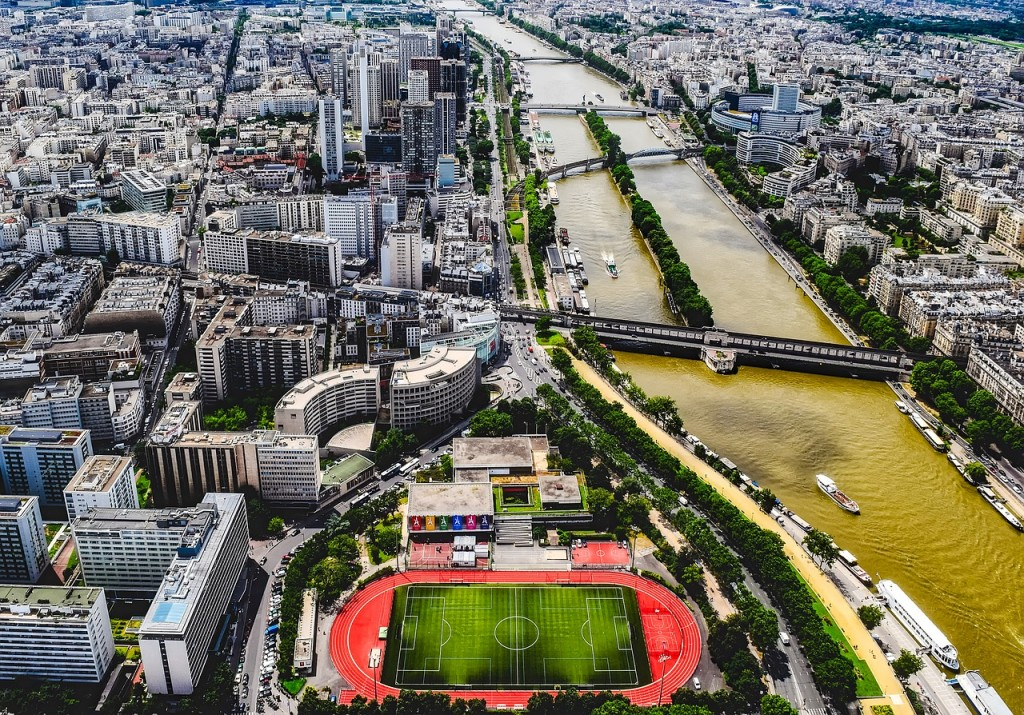Public stadium in Paris │© tpsdave / Pixabay