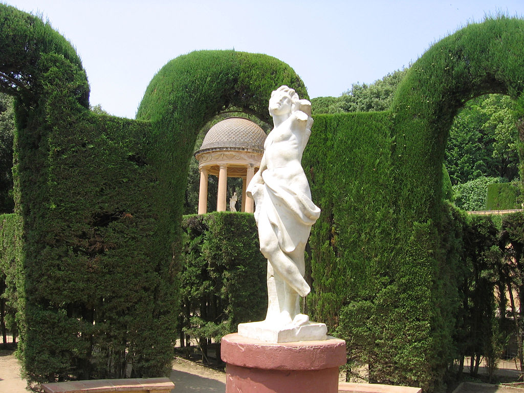Exploring barcelona s labyrinth park for Jardines italianos