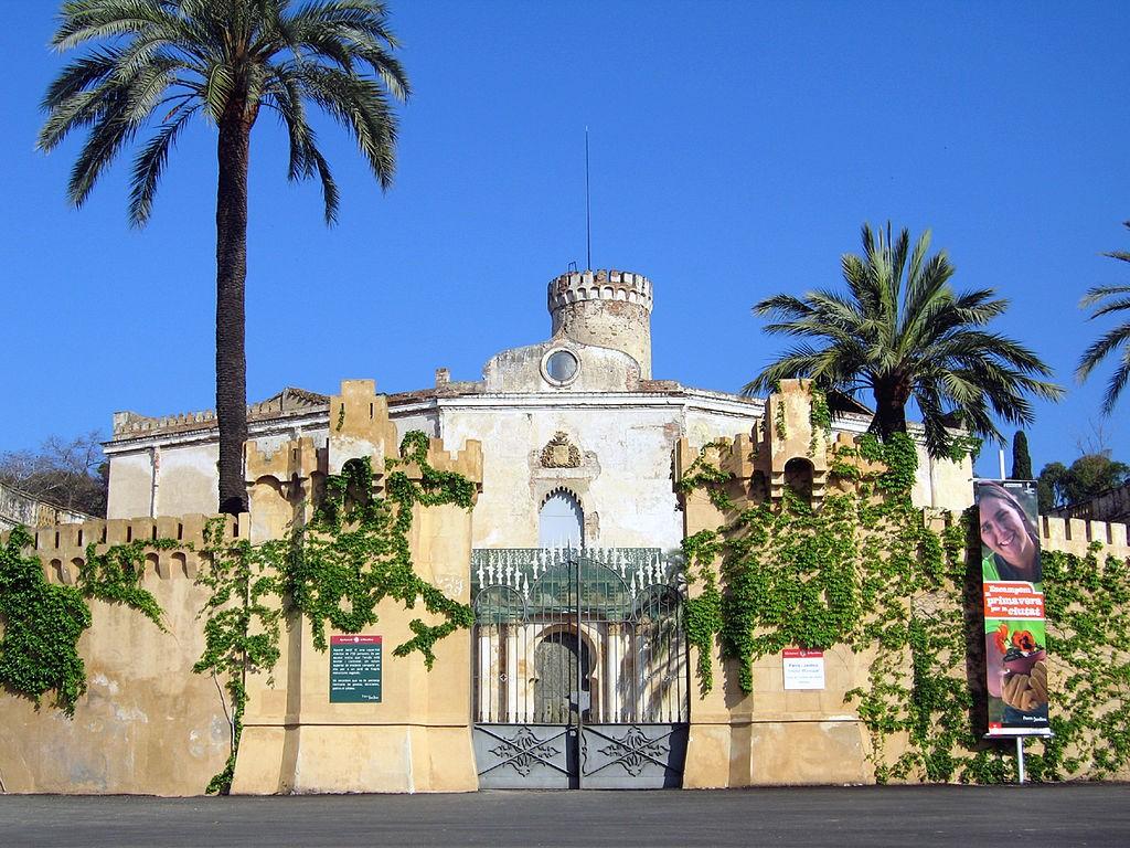 Torre Soberana, Barcelona   ©Till F. Teenck / Wikimedia Commons