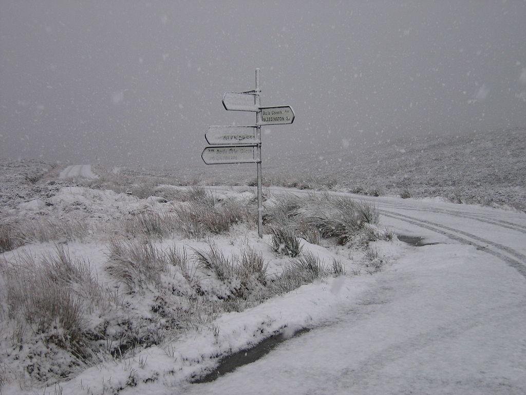 The 'Military Road' crossroads at Sally Gap, Ireland | © Sarah777/WikiCommons