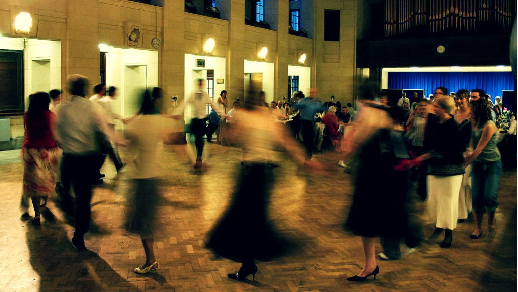 Ceilidh Dancing | © Paul Holloway/Flickr