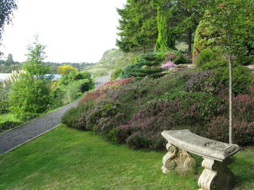 Dr Neil's Garden | © M J Richardson/Geograph