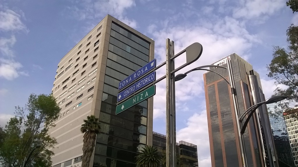 Zona Rosa road sign | © José Miguel S/Flickr