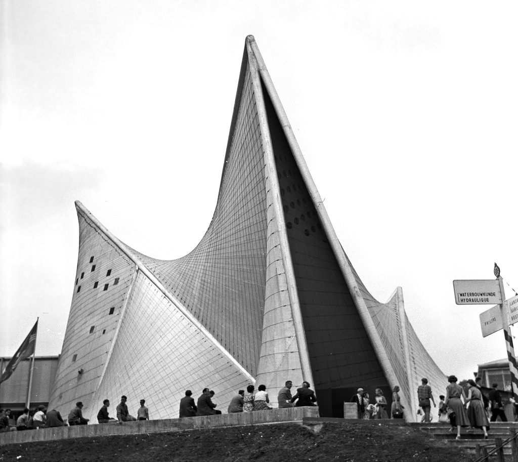 1958: the Philips pavillion at Brussels' World Expo in '58 | © Wouter Hagens/Wikimedia Commons