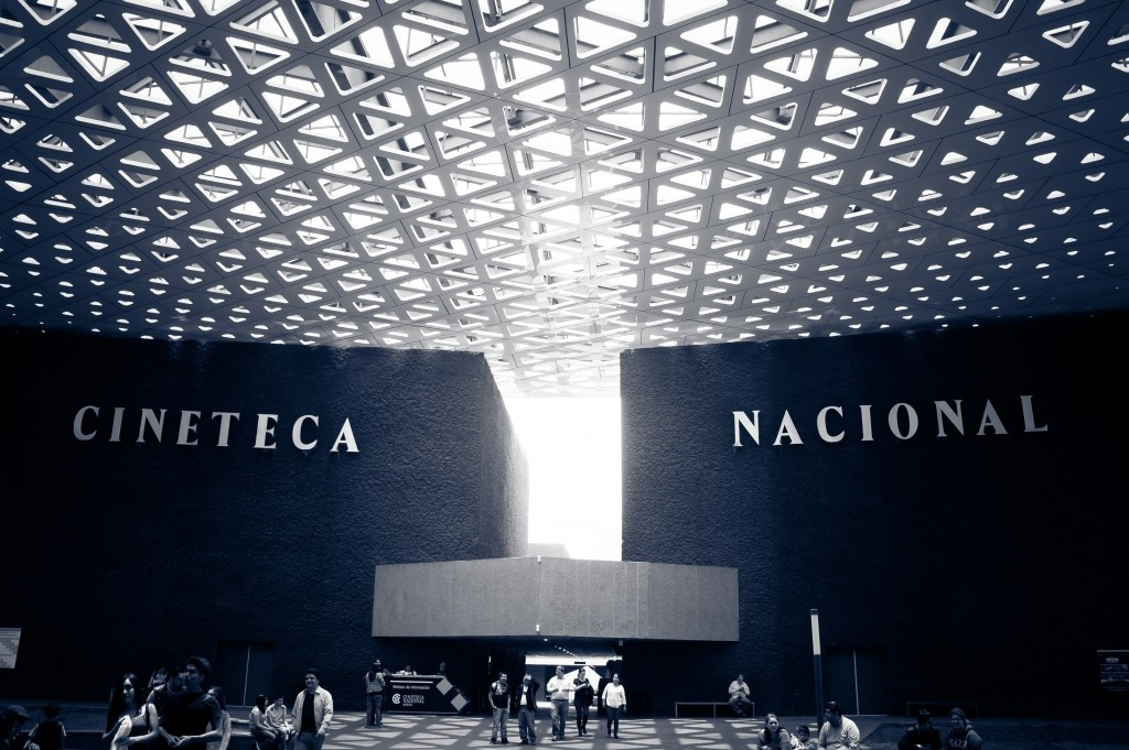 The Cineteca in black and white | © W & J/Flickr