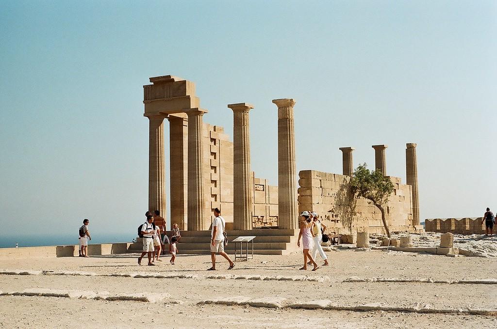 The Acropolis of Lindos, Rhodes | © Alex Grechman/Flickr