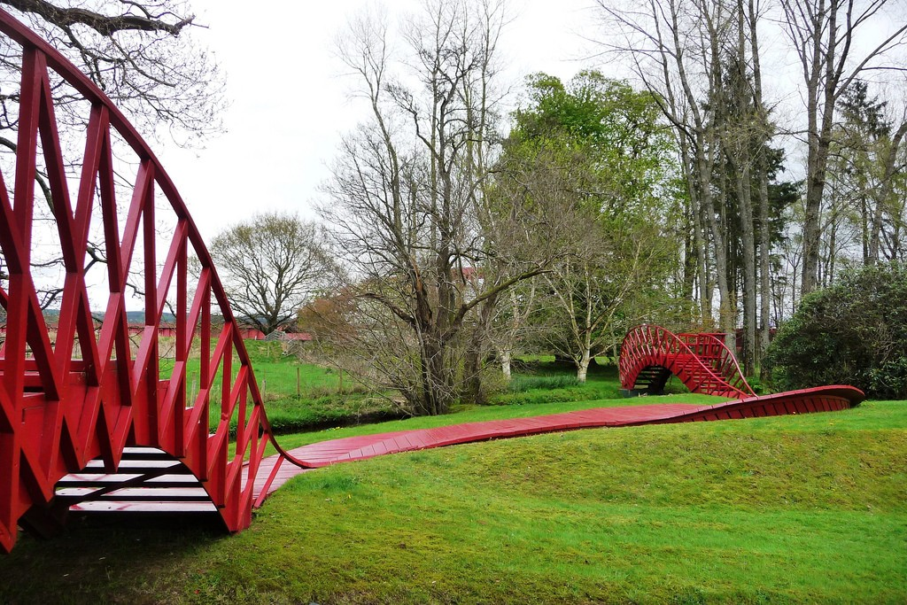 The Garden Of Cosmic Speculation | © John Lord/Flickr