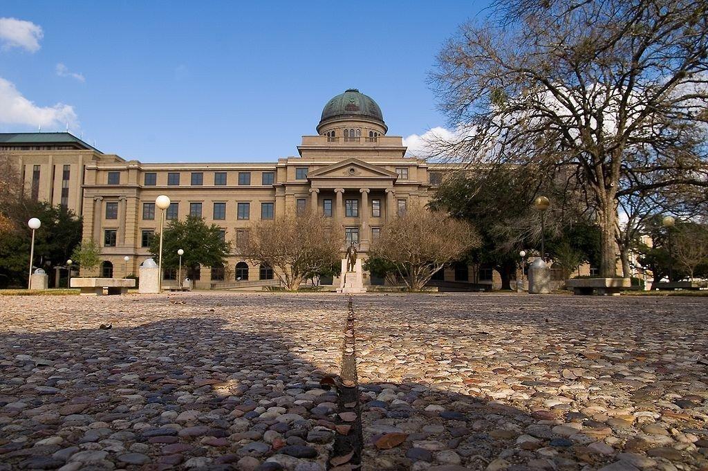 Texas A&M University © Stu Seeger/Wikicommons