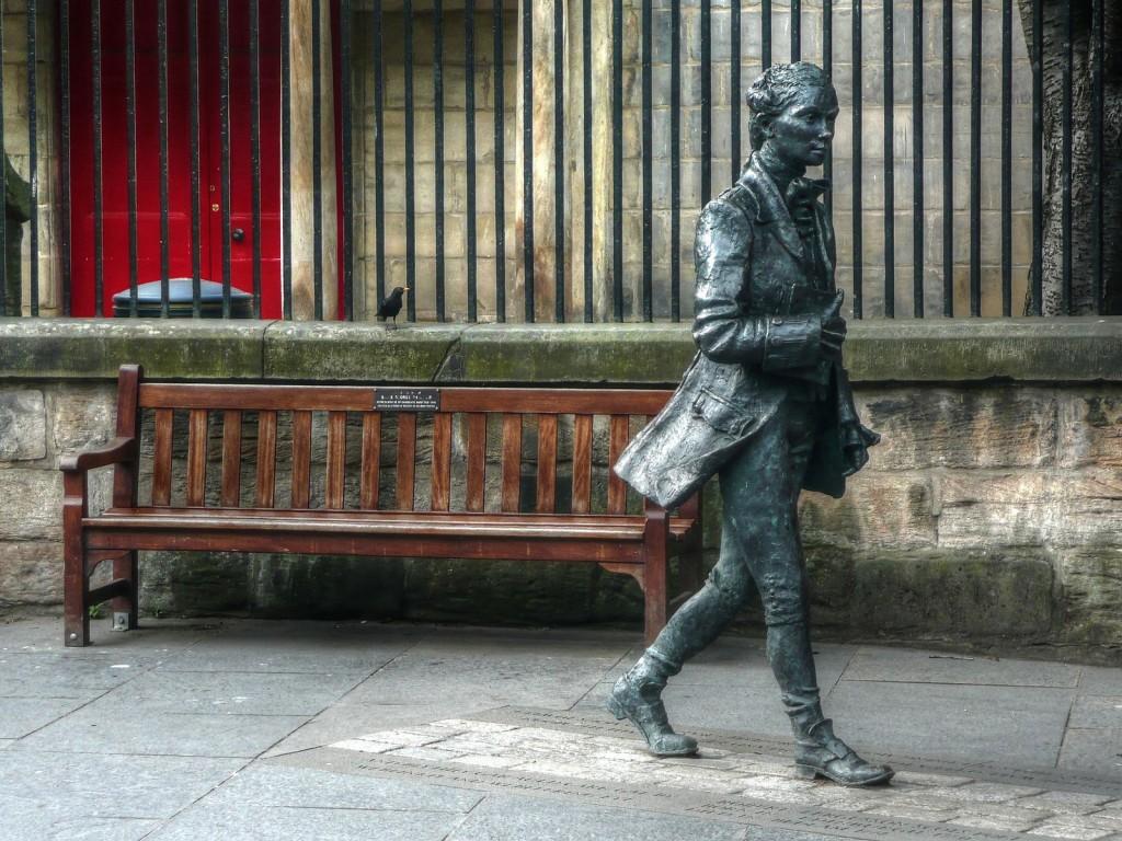 Robert Fergusson Statue | © WikiCommons