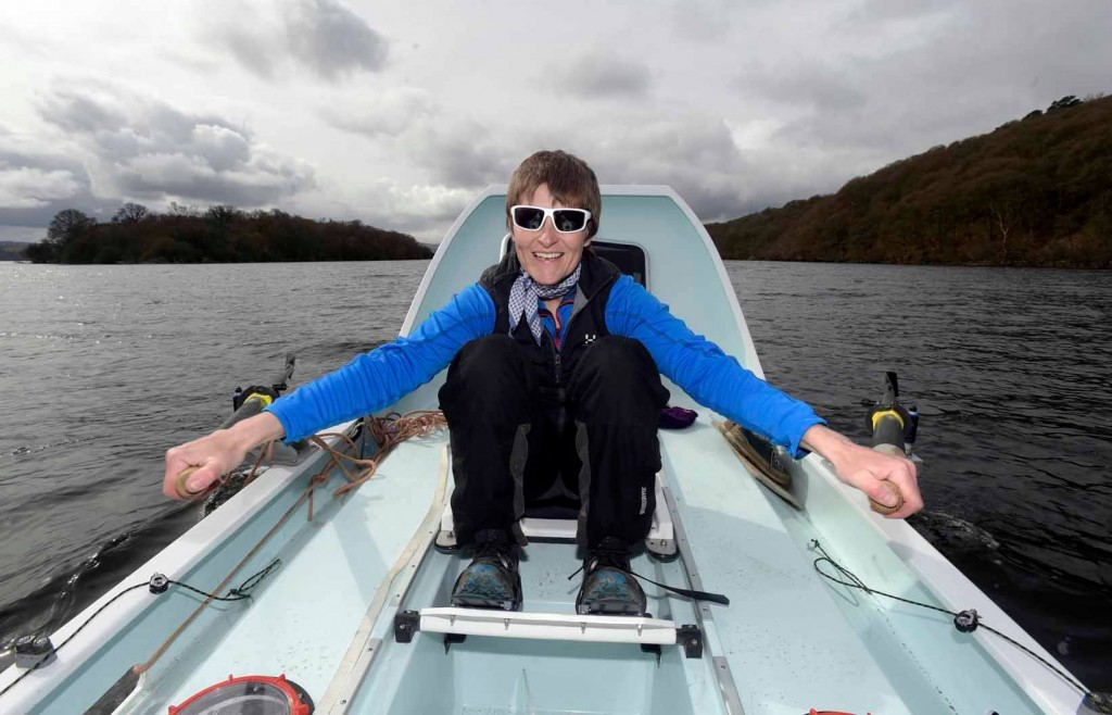 Elaine Hopley, 45, is rowing the Atlantic Ocean to benefit Alzheimer's awareness as part of the 2016 Atlantic Challenge | © Elaine Hopley