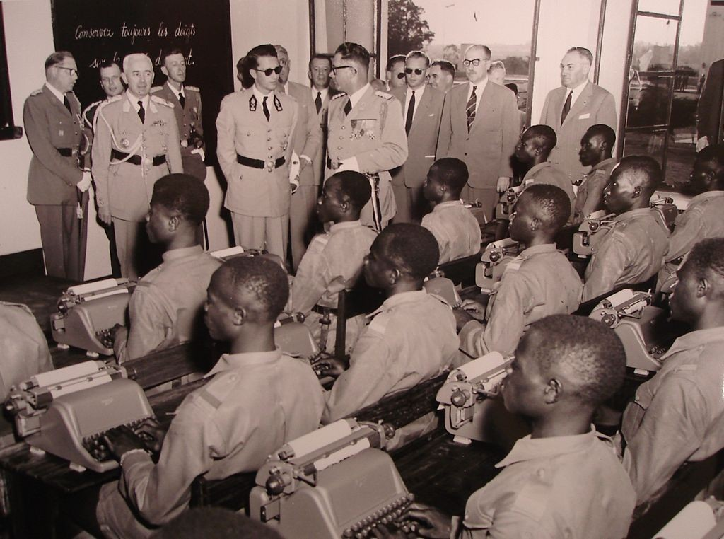 1955: King Baudouin visiting a military school during his trip to the Belgian Congo | © CongoPress - Archives of the Royal Palace, Brussels/Wikimedia Commons