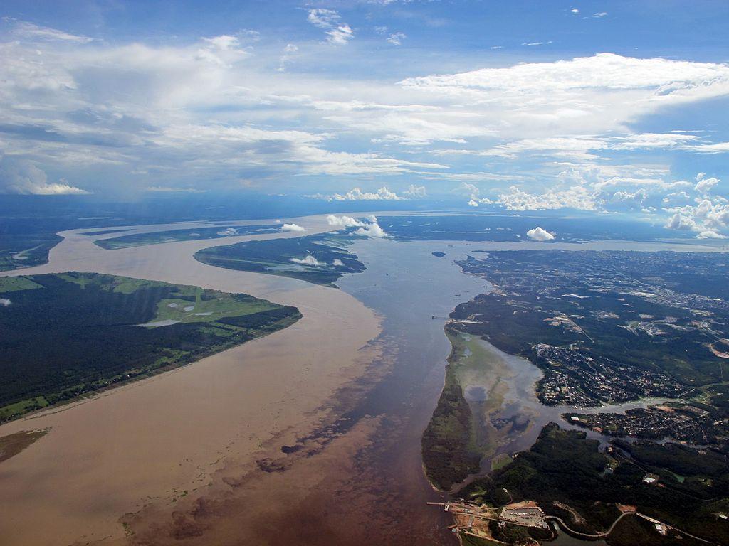 Reunião das águas em Manaus |