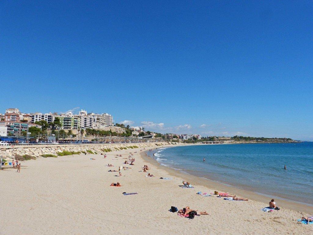 Miracle Beach, Tarragona | ©makamuki0 / Pixabay