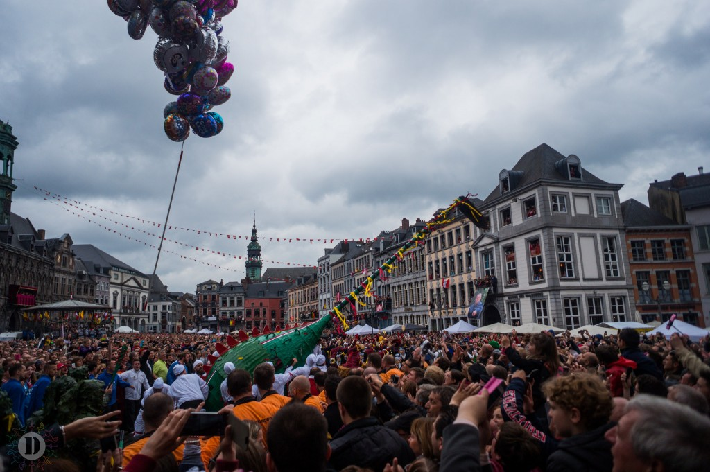 Mons' Ducasse or 'Doudou' festival with the dragon's tail in the middle | © David Taquin/Flickr