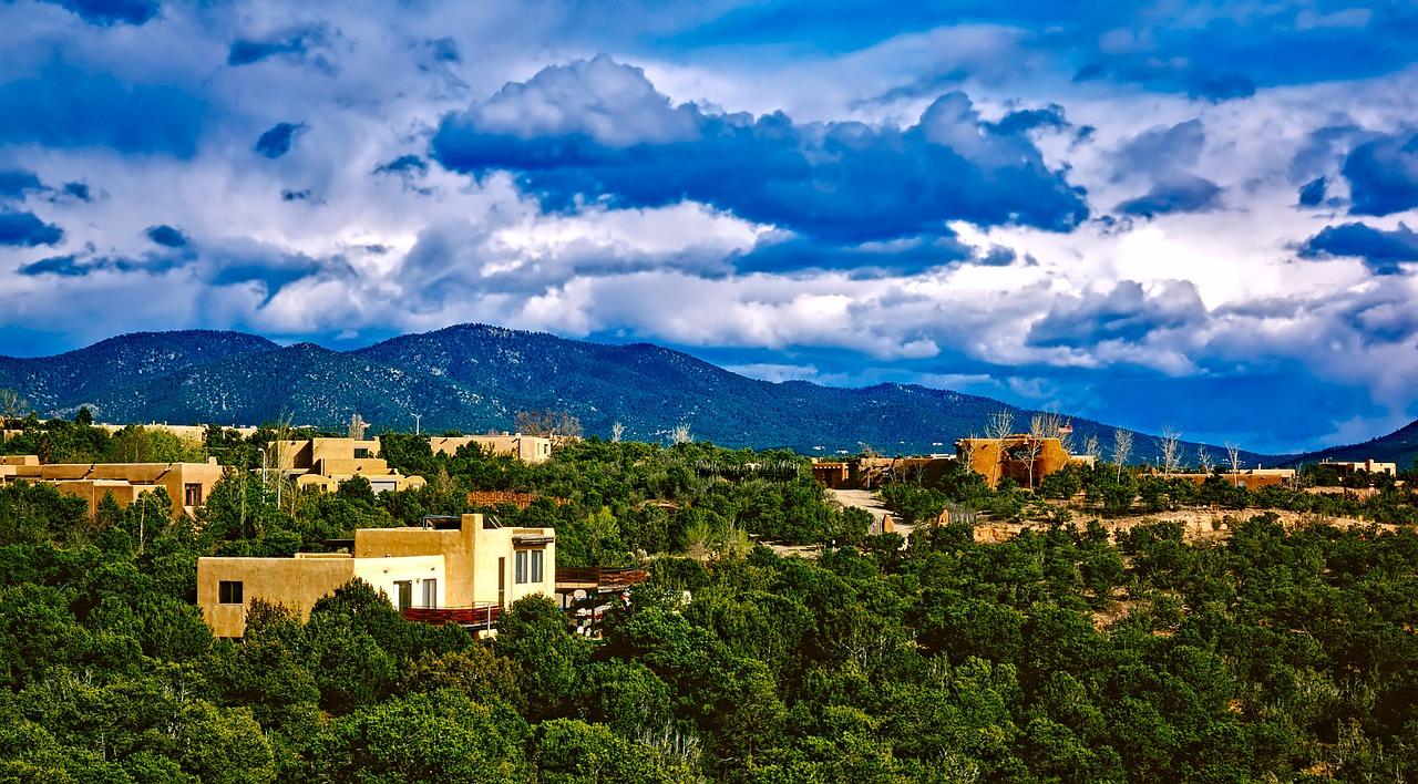 Santa Fe   Public Domain/Pixabay