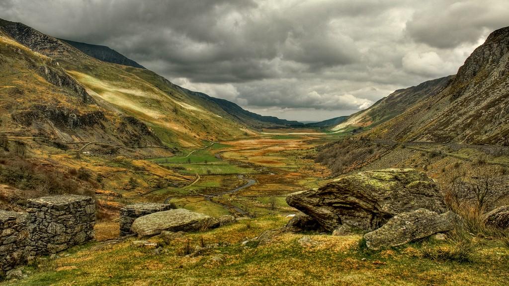 Nant Ffrancon Valley, Snowdonia   © Stuart Madden/flickr.com