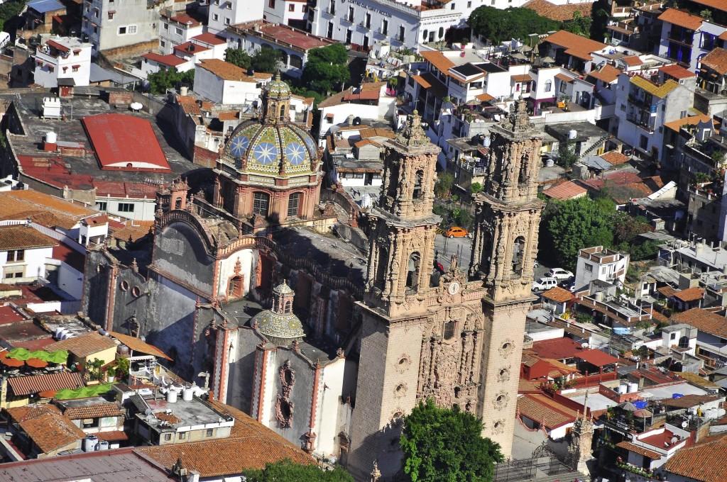 Santa Prisca de Taxco, Taxco | © pegatina1/Flickr