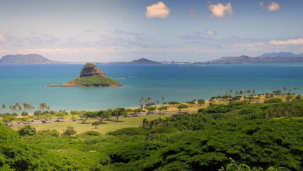Chinaman's Hat - Oahu Hawaii | © Cristo Vlahos/WikiCommons
