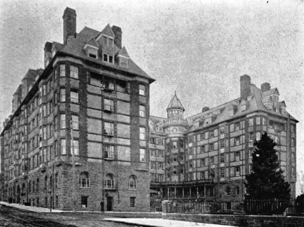 Hotel Portland circa 1900 - Oregon | Public Domain/WikiCommons