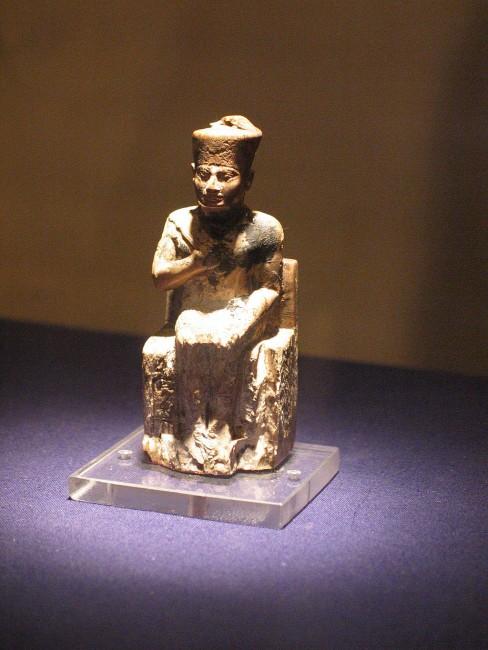 King Khufu Statue