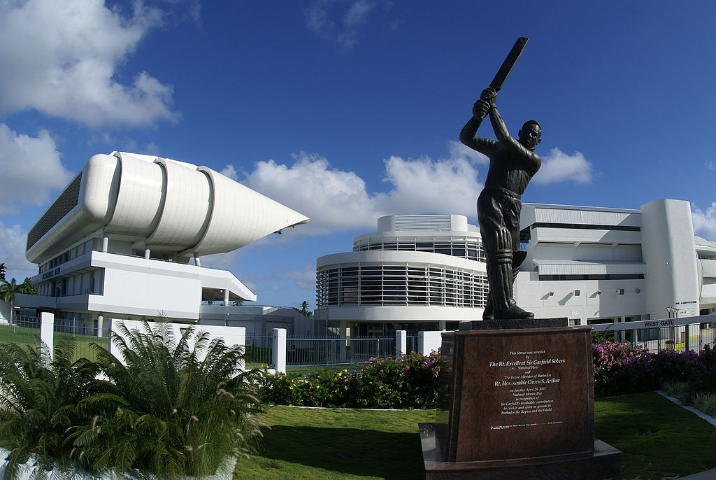 Sir Garfield Sobers Statue, Kensington Oval Cricket Ground, Barbados | © Winton Edghill/Wikimedia