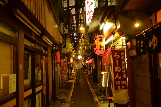 A guide to tokyo 39 s piss alley for Japanese wallpaper home