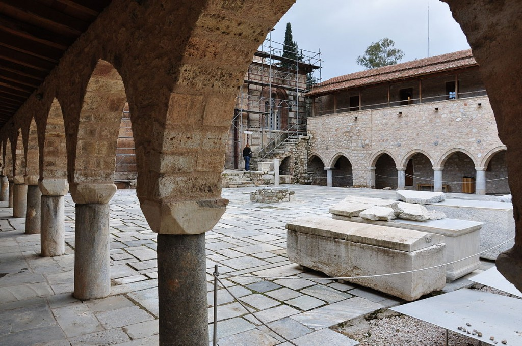 Daphne monastery in the outskirts of Athens | © Dimkoa/WikiCommons