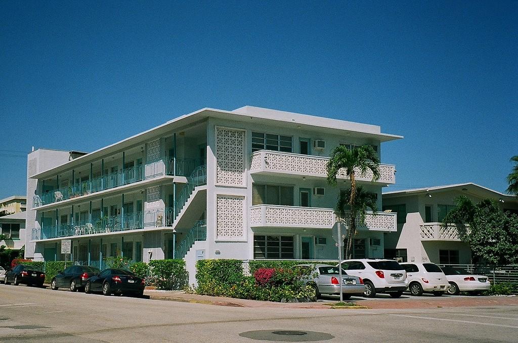 Apartment Building South Beach | Phillip Pessar/Flickr