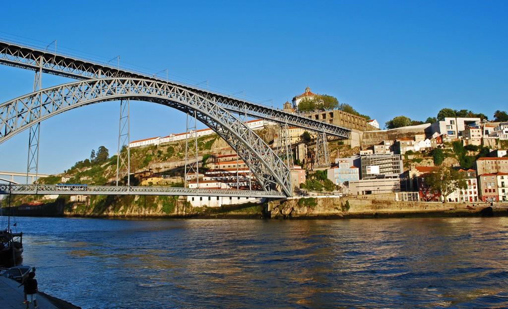 A view of Ponte Dom Luis I and Villa Nova de Gaia from the Ribeira, Porto, Portugal   © Kirk K/Flickr