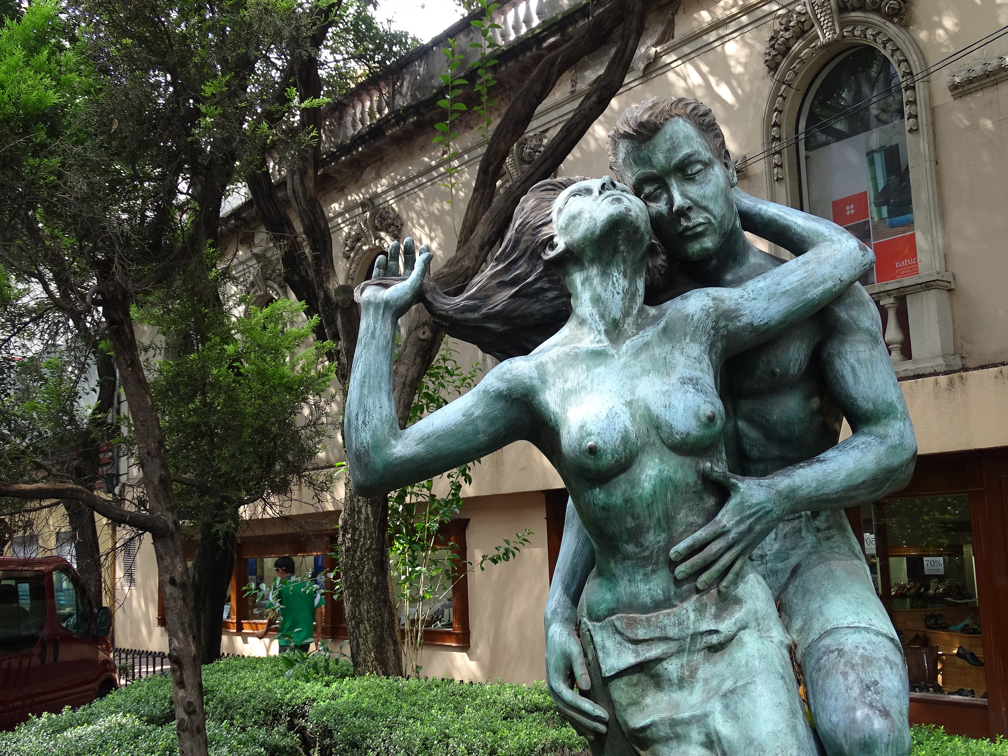 Sculpture, Zona Rosa | © Adam Jones/Flickr