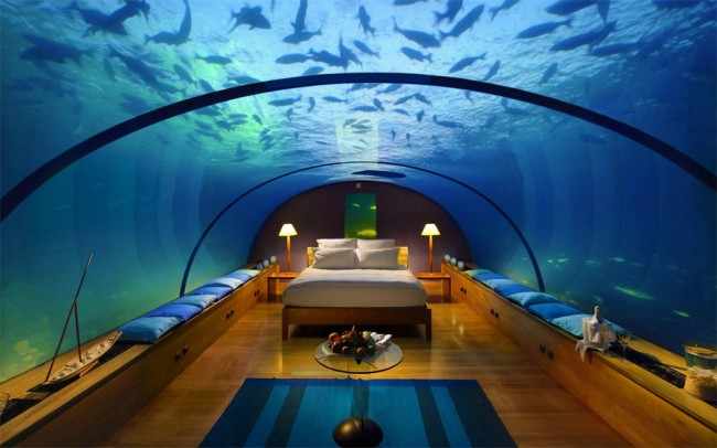 Underwater room at Atlantis   ©Charly W. Karl / Flickr http://bit.ly/2kKzxFv