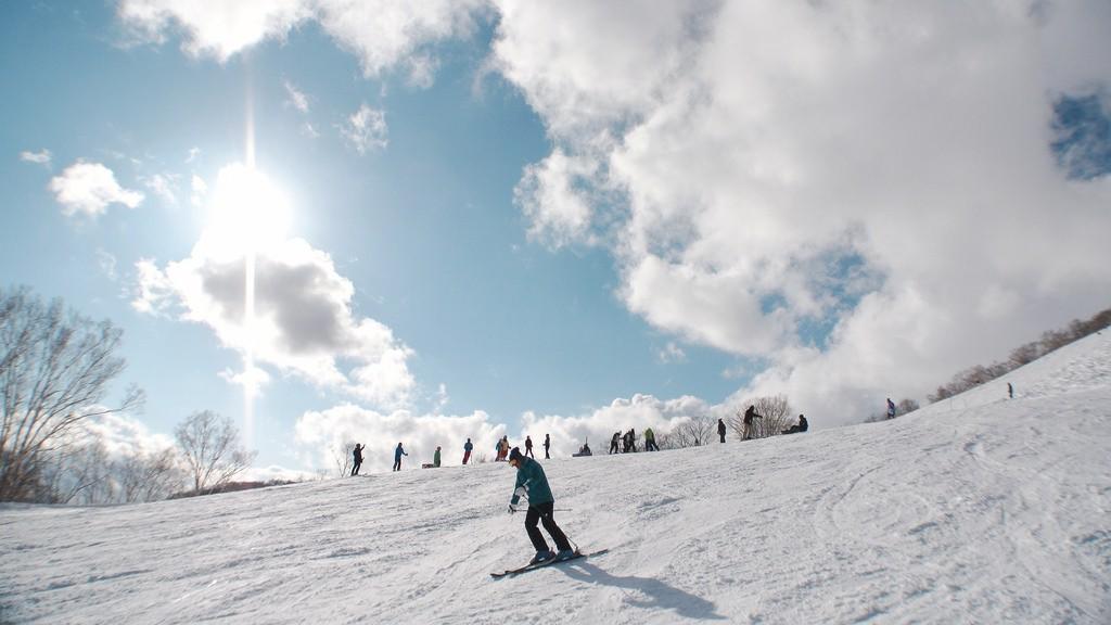 Skier enjoying the slopes in Niseko, Japan | © MIKI Yoshihito/Flickr