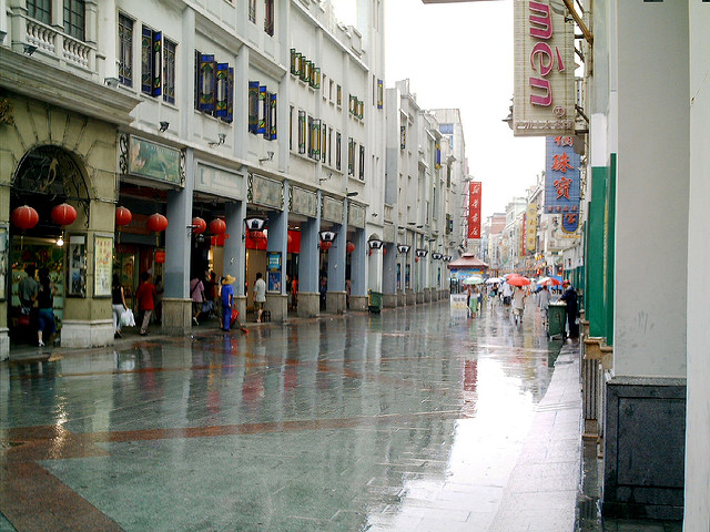 Guangzhou's old world charms (c) Jakob Montrasio / Flickr