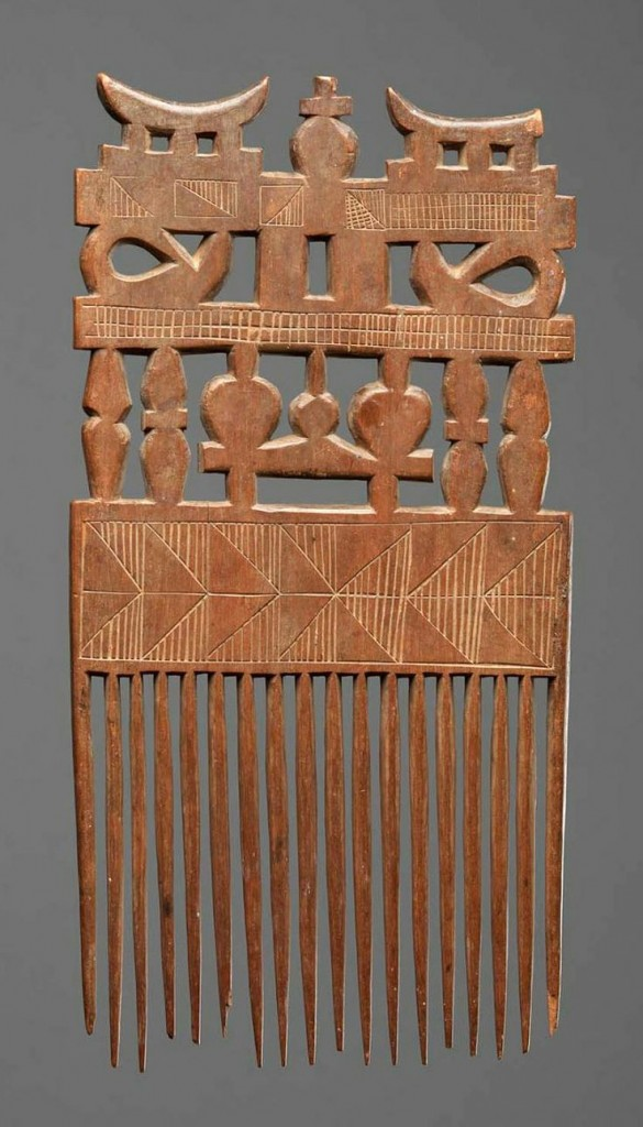 Traditional Akan comb | © Artistically / Flickr