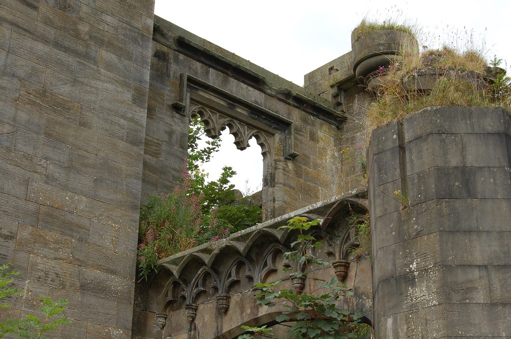 Craigend Castle, Mugdock Country Park | © John Bointon/Flickr