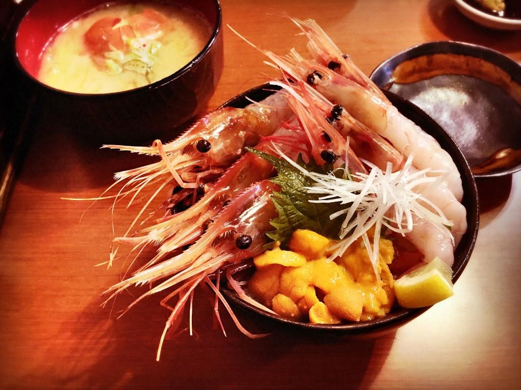 Sashimi Meal at Nijo Fish Market | © momo / Flickr
