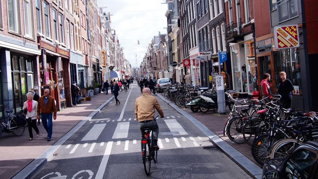 Bistrot Neuf is located on a trendy, central street called Haarlemmerstraat | © Franklin Heijnen/Flickr