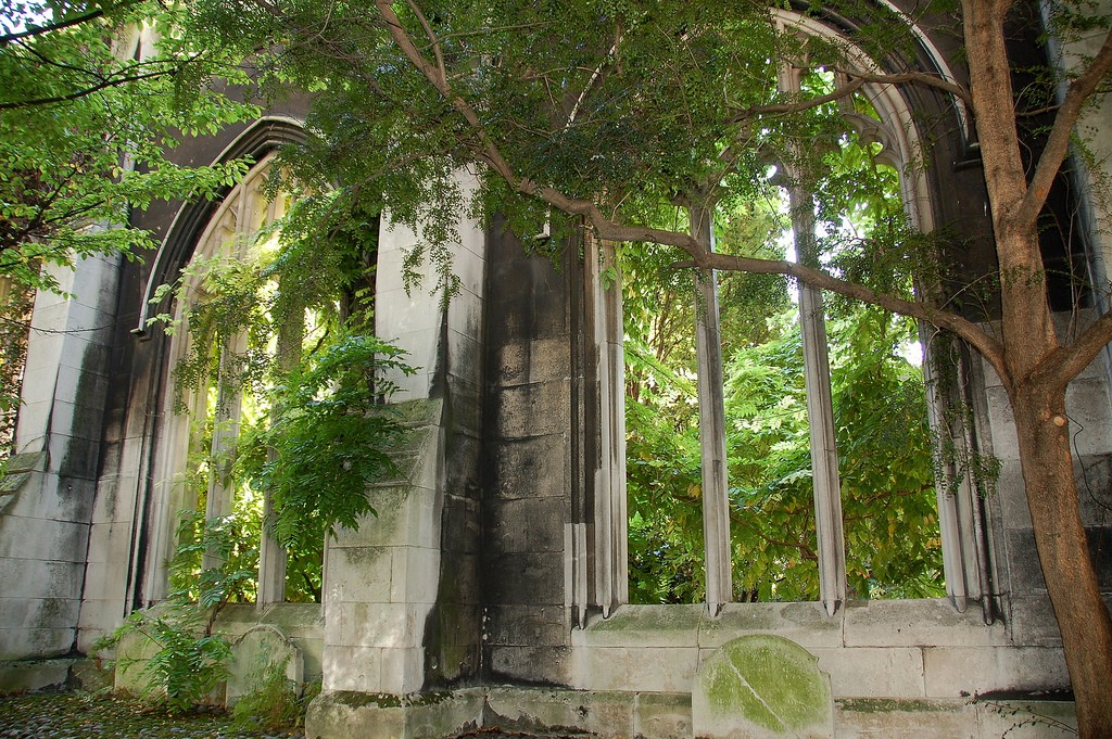 St Dunstans in the East's gothic window arches are ruins