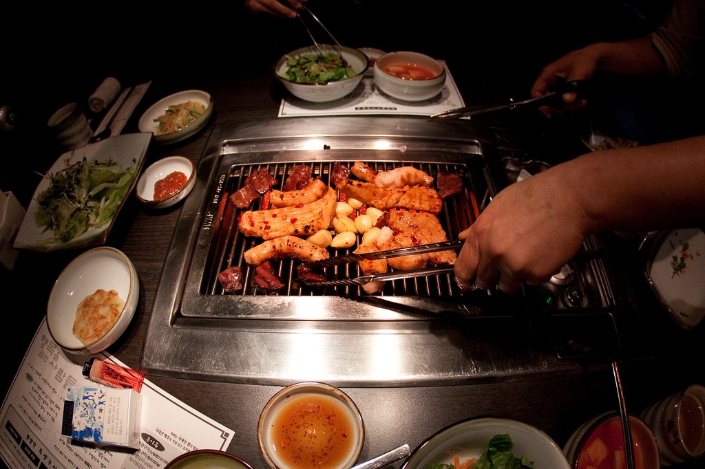 Sizzling gopchang | © Byoungwook Kim / Flickr