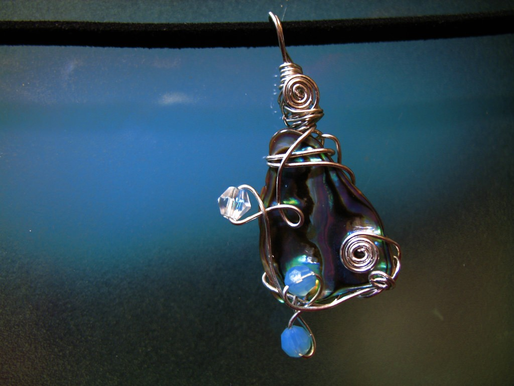 Paua Shell Ornament | © Denise Chan/Flickr