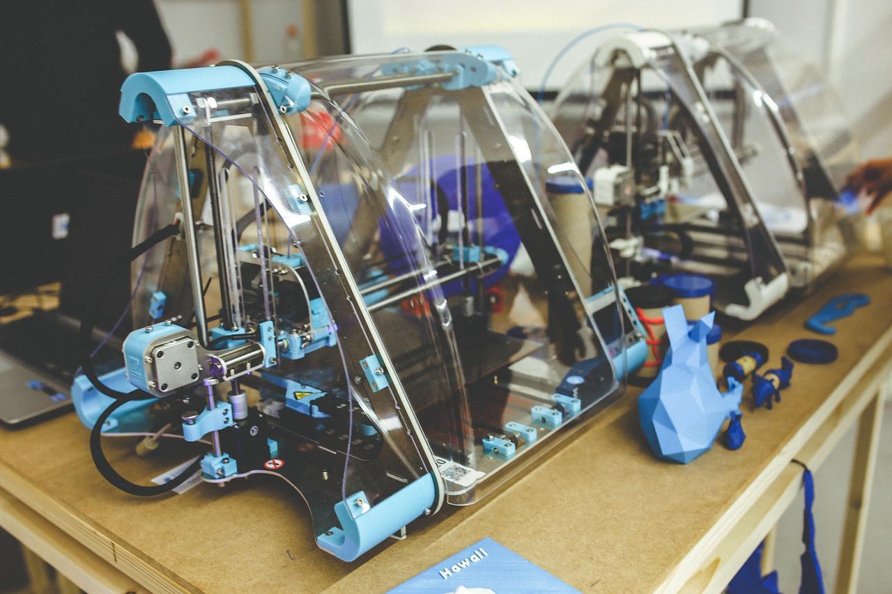 A 3D printer | CC0 Pixabay