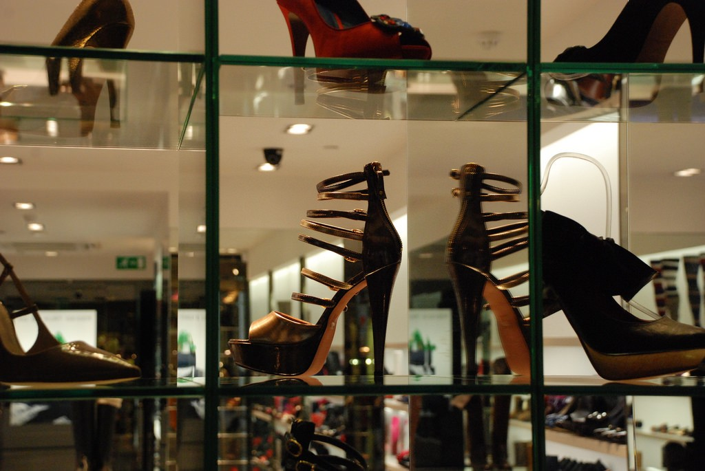 Kurt Geiger Shop. Princes Square | © Jordanhill School D&T Dept/Flickr