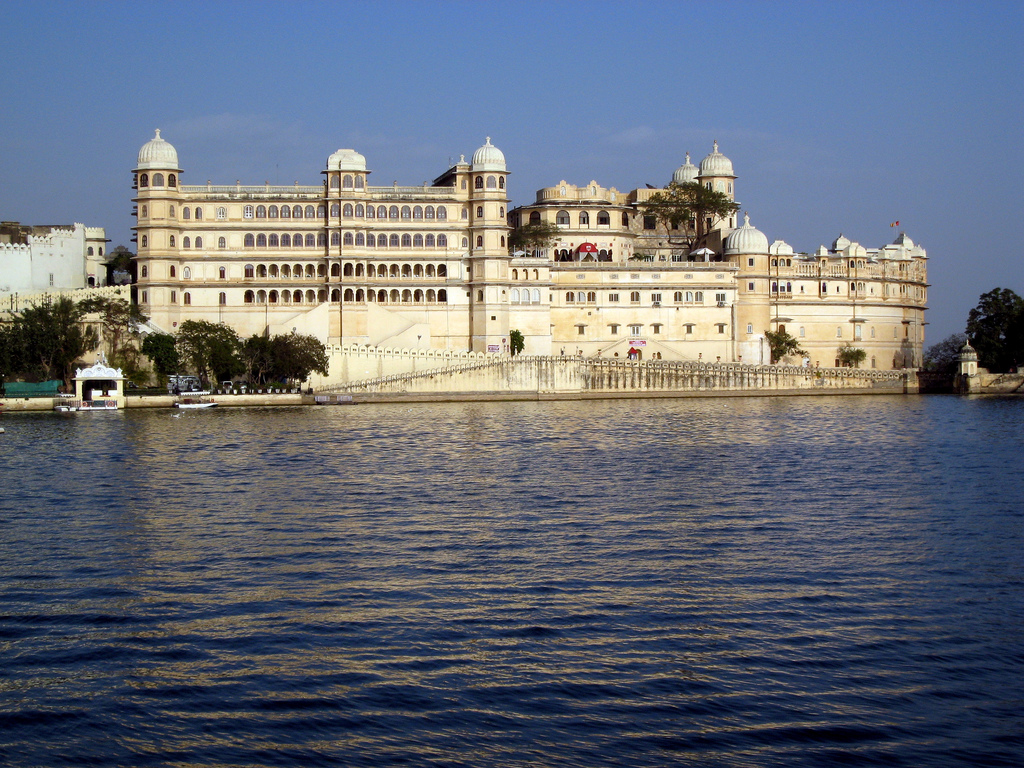 Taj Lake Palace, Udaipur | © Todd vanGoethem/ Flickr