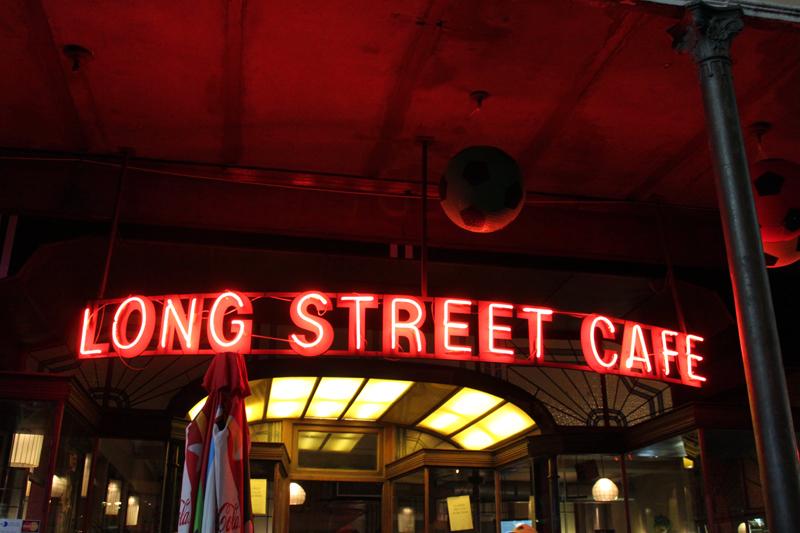 Long Street Cafe © Flowcomm/Flickr